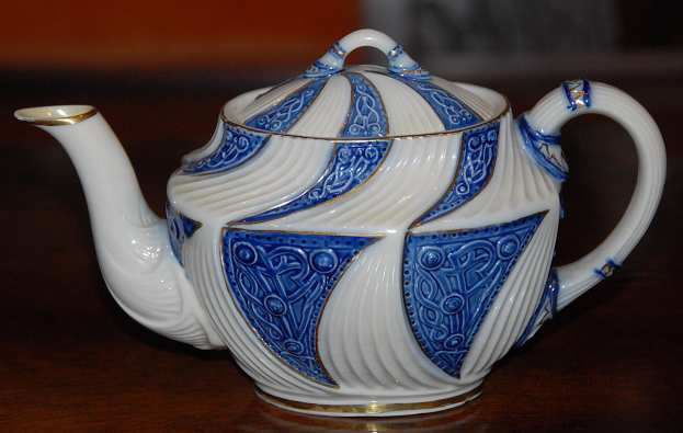 Celtic Oval Tea Pot